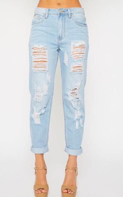 Light-Wash-Ripped-Boyfriend-Jeans-iqu3qdymfpk