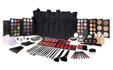 Master_Makeup_Kit_700x434_530x530@2x